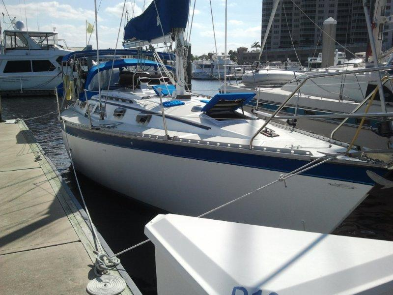Hunter 34 without wood with aluminun toe rail