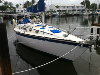 Hunter 34 Sailboat Dirty