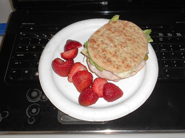 Sandwich Rounds Multi-Grain Strawberry