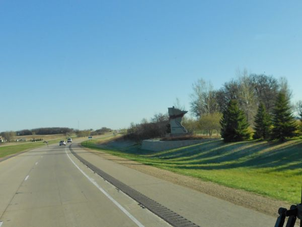 Newmar Dutch Star JBAM Crossing into Minnesota
