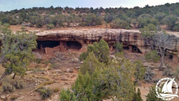 anasazi indian cliff dwelling hike blanding utah