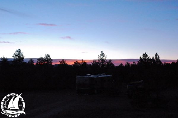Newmar Dutch Star camping boondocking sun rise