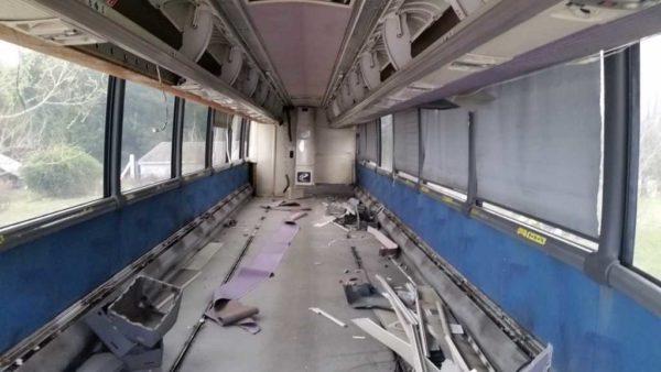 Missy MCI 102 EL3 conversion seats strip