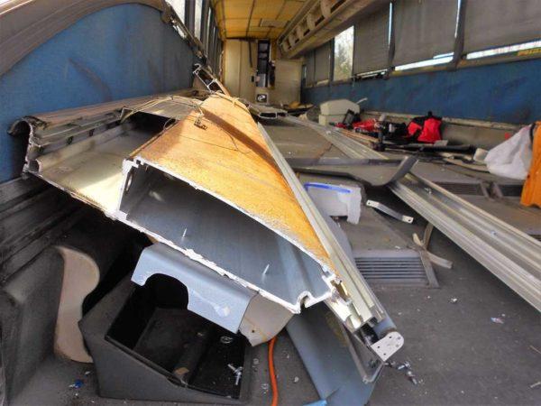Missy MCI 102 EL3 conversion parcel rack luggage