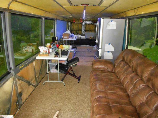 Missy 1998 MCI 102-EL3 coach bus conversion